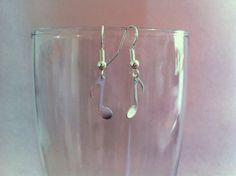 boucles d'oreille pendentif note de musique : Boucles d'oreille par nessymatriochka
