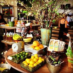 Organic cafe and juice bar (Greenleaf Gourmet Chopshop via Yelp)