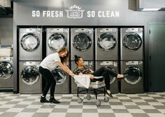 WeWork is using its co-working model to conceived shared-space living in New York and Washington D. Laundromat Business, Laundry Business, Laundry Shop, Coin Laundry, Laundry Rooms, Self Service, Dry Cleaning Business, Pressing, Co Housing