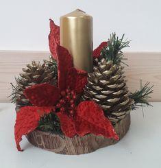 Christmas Candle Decorations, Christmas Arrangements, Christmas Swags, Christmas Candles, Christmas Tree Ornaments, Christmas Holidays, Christmas Pebble Art, Rustic Christmas, Diy Christmas Gifts