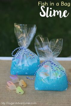Fish in a Bag Slime - My Frugal Adventures - Fish in a Bag Slime – My Frugal Adventures Summer Pool Party Favors. This DIY Fish in a Bag Slime is the perfect birthday favor for your kiddos next pool party! Mermaid Theme Birthday, Birthday Favors, Birthday Party Themes, Pool Party Birthday, Birthday Ideas, Birthday Crafts, 9th Birthday, Birthday Cake, Theme Carnaval