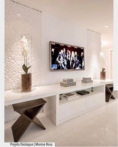 Movie-like Home Theater Projectors For Entertainment Home Theater Decor, Home Decor, Living Room Tv Unit Designs, Muebles Living, Tv Wall Decor, Tv Wall Design, Home Interior Design, Home And Living, Furniture Decor