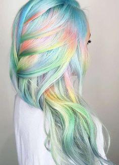 Holographische Haarfarbe Trend für das Jahr 2017