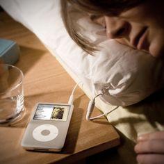 Perfekt zum einschlafen und entspannen oder um leise mit der Lieblingsmusik/Radio geweckt zu werden :) Find ich ne klasse Idee! :D