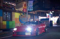 1990年代という日本のスポーツカー黄金期において、欠かせない存在がJZA80型のトヨタ・スープラだろう。                                                                                                                                                                                 もっと見る