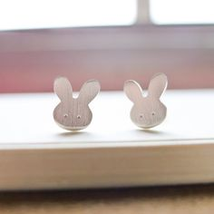 The unique stud earrings Design by LanimCrafts 。  >>>>> World…