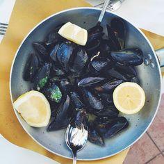 """Long lunch at Ristorante Belforte in Vernazza, Cinqueterre. #valleybrinkroad #vbrfood #vbrtravel #vernazza #cinqueterre #italy #europe #roadtrip #adventure #ristorantebelforte #mussels #lunch #TravelerEats"" Photo taken by @valleybrinkroad on Instagram, pinned via the InstaPin iOS App! http://www.instapinapp.com (06/27/2015)"