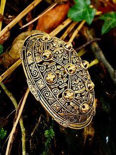 Viking Age oval brooch / tortoise brooch  - [07 Ov 3 Oval]