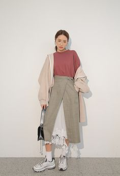 #StyleNanda daily 2018 #ParkSora style Set Fashion, Fashion Terms, Fashion Moda, Look Fashion, Girl Fashion, Fashion Outfits, Korean Fashion Trends, Korean Street Fashion, Korea Fashion