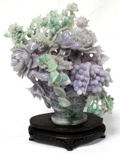 CHINESE HAND CARVED TWO-TONE JADEITE FRUIT & FLORAL BOUQUET