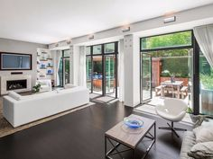 No one wants to buy this $20 million townhouse owned by a real-life 'Wolf of Wall Street'-er