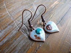 Boucles d 'oreilles antique coeurs cuivre émaillées