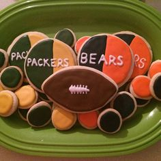 Bears vs. Packers Royal Icing Sugar Cookies by @cookiesbykatewi #nfl #football #bears #packers #rivalry