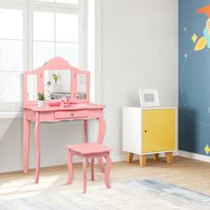 The table equipped with a center mirror and two folding mirror which will let your princess admire her beauty from any angle. Mirrored Vanity Table, Vanity Table Set, Wooden Vanity, Vanity Set With Mirror, Makeup Dressing Table, Dressing Table Set, Dressing Mirror, Toddler Vanity, Kids Vanity Set