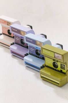 Slide View: 2: Impossible X UO - Appareil photo instantané 600 Cool Cam Polaroid bleu
