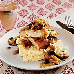 Pounding: Chicken with Mushroom Sauce - 25 Healthy Chicken Breast Recipes - Cooking Light Mobile Chicken Breast Recipes Healthy, Healthy Recipes, Healthy Meals, Healthy Cooking, Healthy Food, Mushroom Sauce For Chicken, Chicken Mushrooms, Mushroom Recipe, Cooking Light