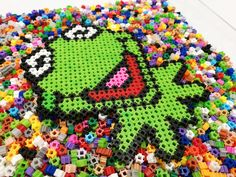 Kermit the frog  #Simbrix #beads #puzzle #lego #art #artstagram #craft #pixelart #hamabeads #fun #perlerbeads #perler #hama #muppets #themuppets #themuppetshow  #muppetschristmascarol #muppetsbeatturtles #muppetsfanclub #themuppetsshow #kermit #frog #disney