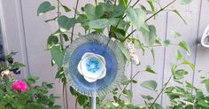 So when I made the post about the garden glass flowers, there was some confusion on how everything went together when it was all done. Well,...