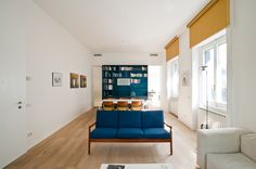 francesco librizzi. Casa L   Milano 2012 - sala llungata, tende a rullo gialle