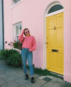 favourite city, best company, glorious weather, strong cocktails + beach walks (hi here's me in front of a colourful house again)