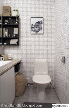 WC:n muodonmuutos - Sisustuskuva jäseneltä heidi_hajottamo - StyleRoom. Bathroom Spa, Washroom, Bathroom Ideas, Small Toilet, Sauna, Interior Decorating, Decorating Ideas, Decor Ideas, Bathing