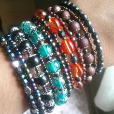 Combinação ousada? #Valvisartesmanuais #linda #pulseirademola #bracelete #bohojewelry #gypsyjewelry #cigana #mara #acessoriosfemininos