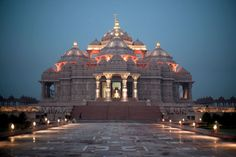 Akshardham - The World Largest Hindu Temple BAPS Swaminarayan Akshardham is a Hindu temple complex in New Delhi, India. It aims to showcase Hinduism's ancient art, culture and spiritual heritage. Temple India, Hindu Temple, Hindus, India Travel Guide, Asia Travel, Cathedral Church, India Tour, Amritsar, Tourist Places
