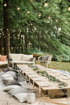 36 Ideas For Backyard Wedding Ceremony Couple Wedding Set Up, Home Wedding, Plan Your Wedding, Wedding Table, Wedding Reception, Wedding Planning, Wedding Backyard, Wedding Advice, Wedding Picnic
