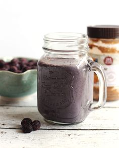 The Breakfast Smoothie. A healthy breakfast smoothie packed with blueberries banana almond butter and oats. Juice Smoothie, Smoothie Drinks, Smoothie Bowl, Smoothie Recipes, Milk Smoothies, Cleansing Smoothies, Nutribullet Recipes, Juicer Recipes, Vegan Smoothies