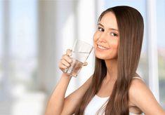 Sfatul specialistului: Cum se bea corect apa dacă vrei să slăbeşti - Exquis Personal Trainer, Metabolism, Long Hair Styles, Beauty, Health, Milk With Turmeric, Gold Milk, Water Glass, Health And Beauty