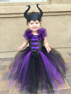 Maleficent Tutu Dress with Horns image 2 Diy Halloween Costumes For Kids, Toddler Costumes, Halloween Kostüm, Baby Costumes, Kids Witch Costume, Olaf Costume, Kids Costumes Girls, Vintage Halloween, Halloween Makeup