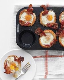 Bacon, Egg, and Toast Cups. Try cooked, crumbled sausage in place of bacon or make a vegetarian version with sauteed spinach. Dress things up with a sprinkle of Parmesan cheese.