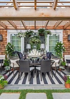 midcentury influence with those of traditional style. | Caleb Anderson Design for Hampton Designer Showhouse 2014 http://www.frontgate.com/palermo-dining-in-bronze-finish/631625?SourceCode=ZZ73105&cm_mmc=pinterest-_-pingage-_-2262987-_-NA#_a5y_p=2262987