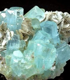 "bijoux-et-mineraux: ""Aquamarine and Muscovite - Nagar, Hunza Valley, Gilgit District, Gilgit-Baltistan, Northern Areas of Pakistan "" Minerals And Gemstones, Rocks And Minerals, Crystal Magic, Crystal Healing, Crystal Aesthetic, Aquamarine Crystal, Beautiful Rocks, Mineral Stone, Rocks And Gems"