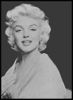 "9 Mars 1955 / LES NEWS de Marilyn se rendant à la Première du film ""East of Eden"", au ""Astor Theater"" de New-York."