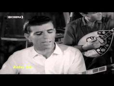 Φαληριώτισσα - Γρηγόρης Μπιθικώτσης & Γιάννης Παπαϊωάννου (Τραγούδια Κινηματογράφου) - YouTube Che Guevara, Youtube, Greek, Youtubers, Greece, Youtube Movies