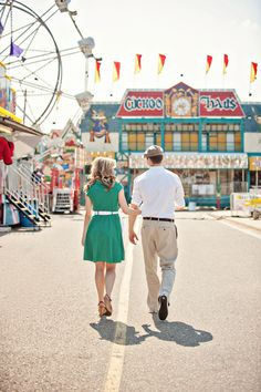 vintage carnival engagement session. adorable :)  great kickoff to a carnival wedding theme