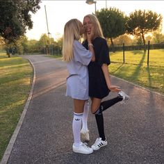 See this Instagram photo by @lisaandlena • 538k likes