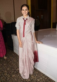 Taapsee Pannu at 'Mulk' Promotions : As much as I like the Abraham & Thakore saree, the thin stripes came off as too strong on her and I just found it overwhelming. Sari Blouse Designs, Saree Blouse Patterns, Fancy Blouse Designs, Lehnga Blouse, Choli Dress, Shirt Designs, Saree Wearing Styles, Saree Styles, Blouse Styles
