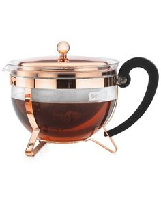 Bodum Chambord Tea Pot - Let your tea leaves unleash their full aroma potential with this tea pot, offering a wide filter basket that lets the leaves swirl freely while steeping. Espresso Kitchen, French Press Coffee Maker, Glass Teapot, Chambord, Bistro, Chocolate Pots, Cuisines Design, Decoration Table, Bucket Lists