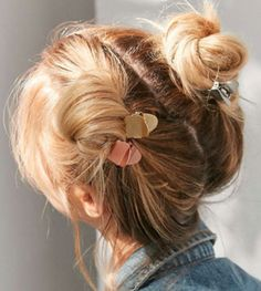 Trendy Cool Hair Claw Must-have to style your hair differently Clip Hairstyles, My Hairstyle, Himiko Toga, Hair Claw, About Hair, Hair Dos, Her Hair, Hair And Nails, Hair Inspiration