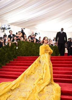 Kendall Jenner Outfits, Yellow Fashion, Red Carpet Fashion, Victoria Beckham, Kim Kardashian, Rihanna Red Carpet, Celebrity Fashion Looks, Celebrity Style, Rihanna Style