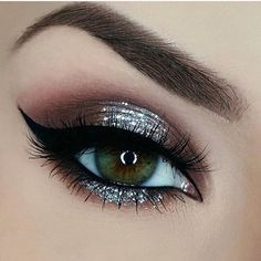For more follow 'Eyeshadows' @yanameaston
