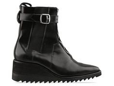 Can I marry these? A mens wedge boot? YES. With skinnys and a blazer/coat for fall. Fabulous.