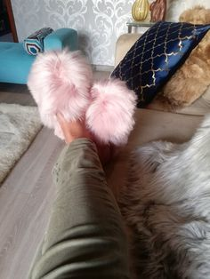 Pink slippers - Unisex fur alpaca slipper - fur slippers - Walk in the sky with these soft slippers -soft leather adult shoe Alpaca Slippers, Shearling Slippers, Fuzzy Slippers, Fluffy Slides, Summer Feet, Fur Boots, Fur Slides, Shoe Collection, Flats