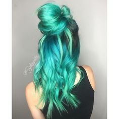 Love this neon pastel green hair color mixed with a bit of blue hair color by…