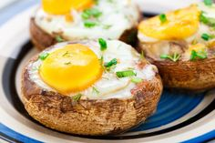 Baked Egg Mushrooms Tired of ordinary egg recipes? Check out this Baked Egg Mushrooms dish, featuring the much-loved portobello mushroom.Tired of ordinary egg recipes? Check out this Baked Egg Mushrooms dish, featuring the much-loved portobello mushroom. Low Calorie Breakfast, Breakfast And Brunch, Paleo Breakfast, Breakfast Recipes, Atkins Breakfast, Detox Breakfast, Breakfast Bake, Egg Recipes, Diet Recipes