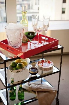 This looks a little like my glass table thingy.  What a great use for it!