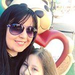 Noi due e il mega orso della Thun 😍!! • • • #motherdaughter #motherdaughtertime #selfie #instaselfie #selfietime #madreefiglia #mammaefiglia #thun #instalove #igers #instagramers #igersitalia #ig_italia #ig_italy #igersroma #ig_europe #ig_rome #ig_roma #igerseurope #sunglasses #smile #smilingfaces #sorridielavitatisorride