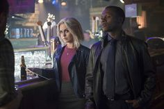 Malcolm Goodwin and Rose McIver in iZombie I Zombie, Rose Mciver, 2 Photos, Season 2, Blues, Tv Shows, Image, Cowgirls, Brain